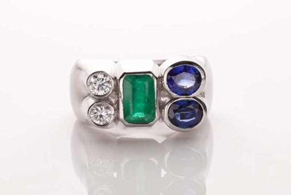 Trilogy Ring Diamond - Emerald and Blue Sapphire