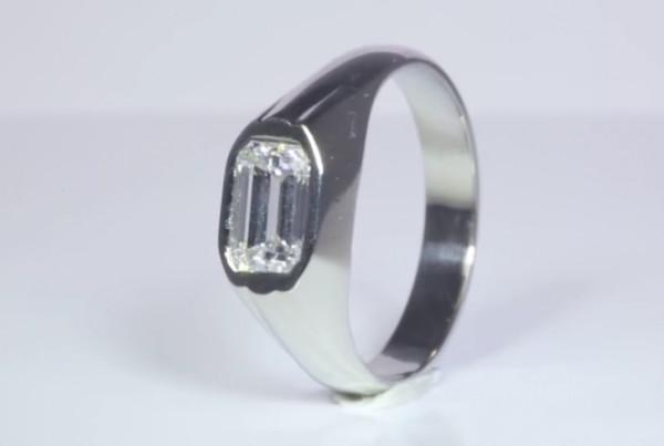 Diamond Ring in Platinum