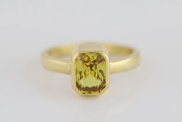 Yellow Sapphire Fine Em Cut Set In Gold Ring