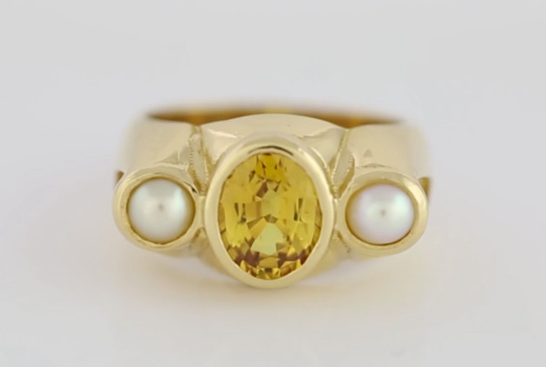 Yellow Sapphire Oval Cut And Real Salt Water Pearls Set In Gold Ring