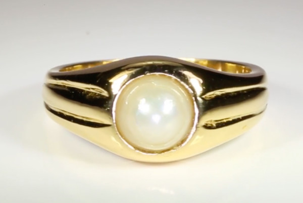 Real Salt Water Pearl Set In Gold Ring