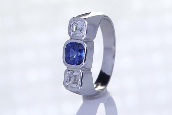 Blue Sapphire With 2 Diamonds