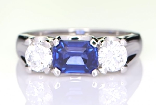 Blue Sapphire With Two Diamonds