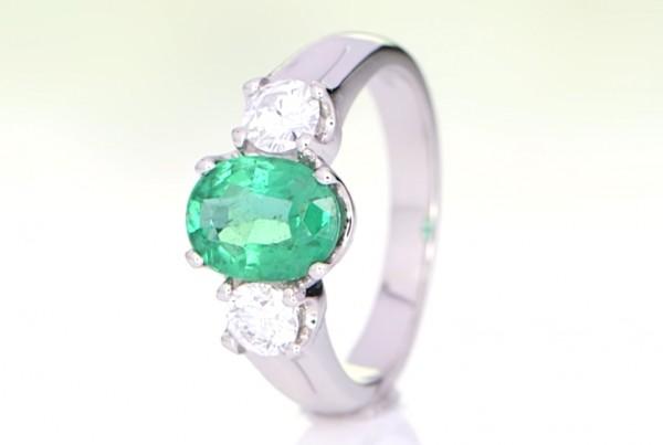 EmeraldWith Two Diamonds