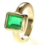Green Emerald in A Golden Ring