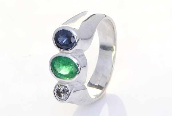 Platinum Ring With Blue Emerald, Green Sapphire and A Diamond