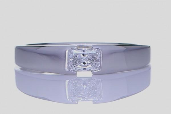 Platinum Ring With Diamond