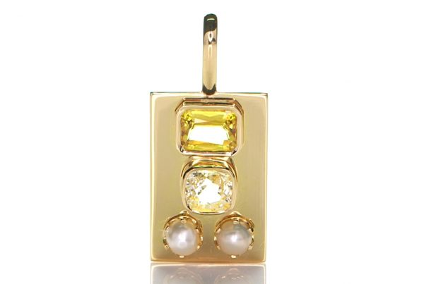 Golden Pendant With Two Yellow Sapphires And Two White Pearls